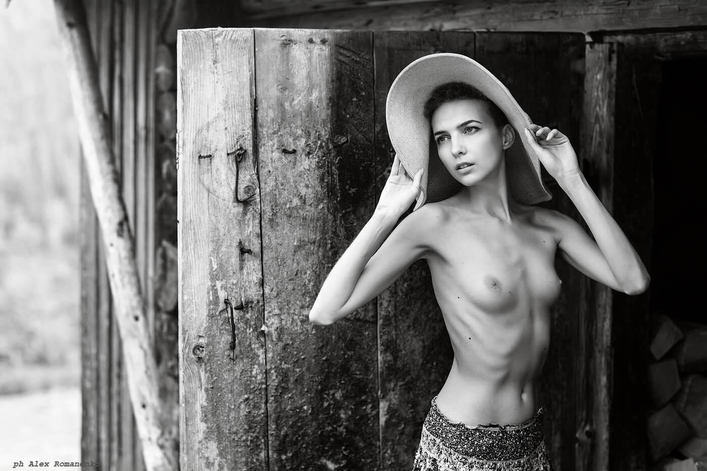 Фотограф ню Киев, девушка на природе, artistic nude