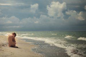 Фотограф ню Киев, обнаженная девушка и море